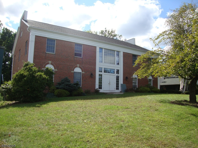 Commercial / Office for Sale at 6 APPLE TREE LN 6 APPLE TREE LN Sparta, New Jersey 07871 United States