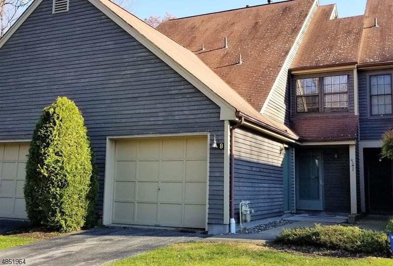 公寓 / 联排别墅 为 销售 在 4 NEW BEDFORD Road 西米尔福德, 新泽西州 07480 美国