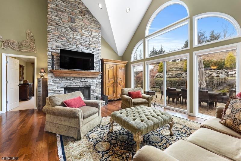 Частный односемейный дом для того Продажа на Address Not Available Hardyston, Нью-Джерси 07419 Соединенные Штаты
