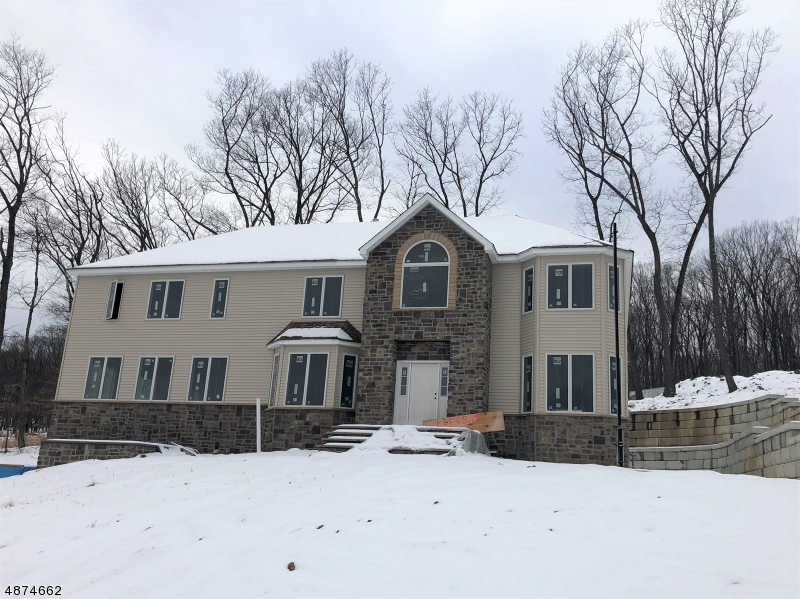 Single Family Home for Sale at 24 BEVERLY Street Parsippany, New Jersey 07950 United States