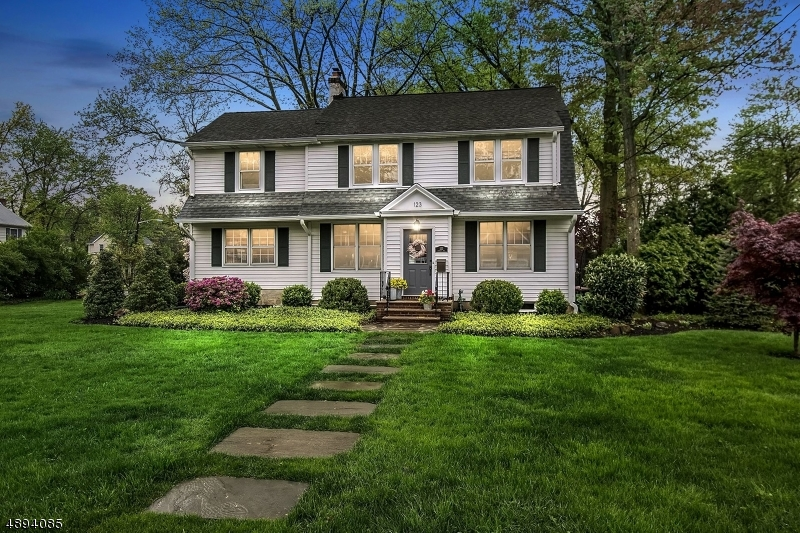 Single Family Home for Sale at Fanwood, New Jersey 07023 United States