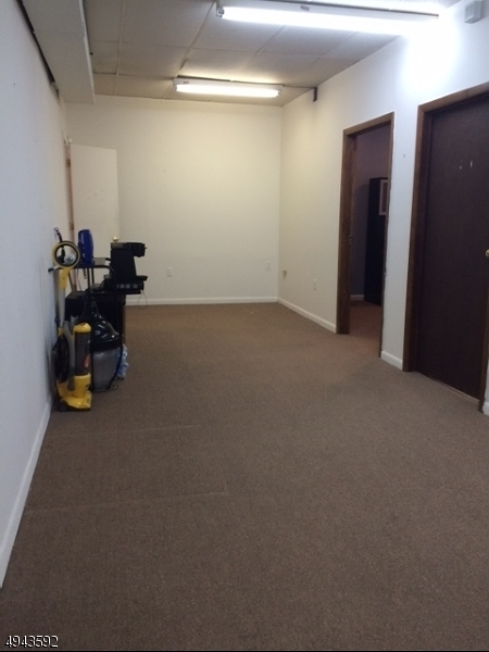 Additional photo for property listing at  里弗代尔, 新泽西州 07457 美国