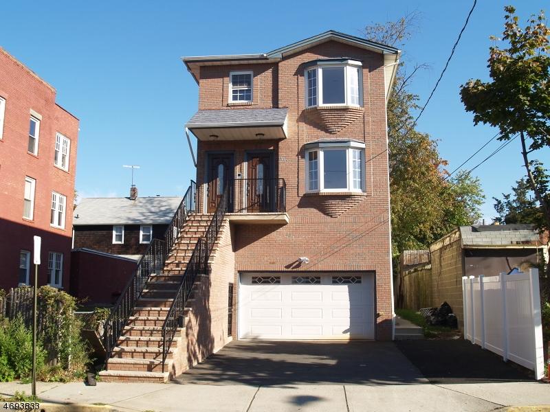 Multi-Family Homes pour l Vente à Orange, New Jersey 07050 États-Unis