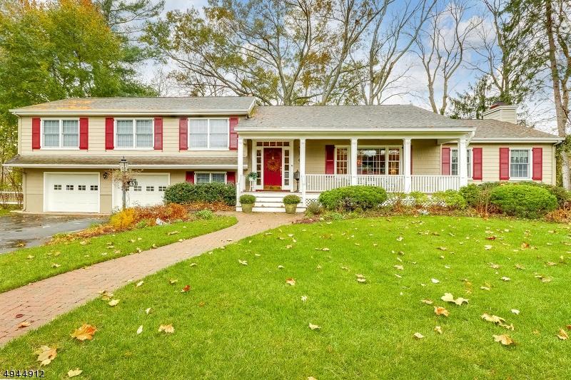 Single Family Homes pour l Vente à Glen Rock, New Jersey 07452 États-Unis
