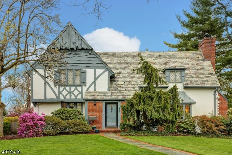 Single Family Homes 为 销售 在 格伦岭, 新泽西州 07028 美国