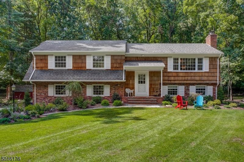 Single Family Homes voor Verkoop op Ho Ho Kus, New Jersey 07423 Verenigde Staten