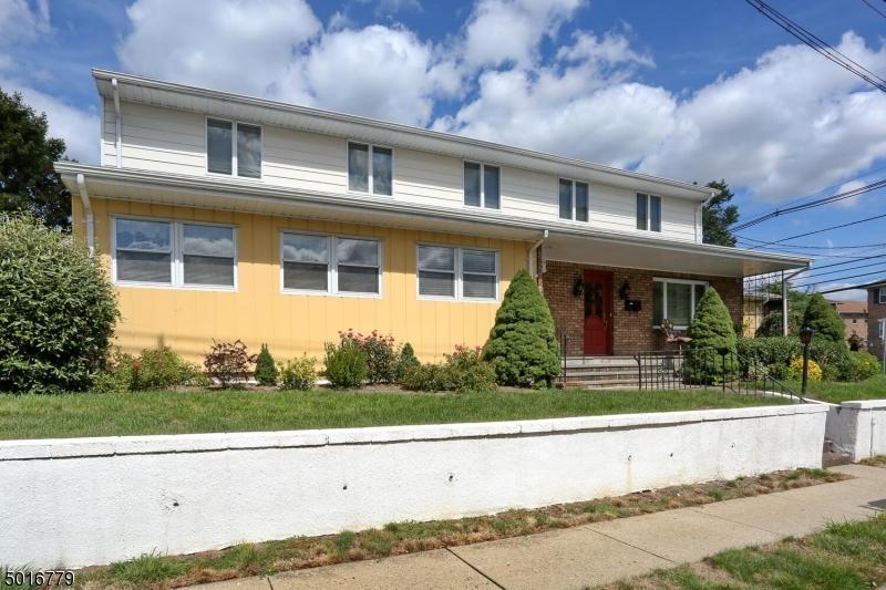 Multi-Family Homes için Satış at Hawthorne, New Jersey 07506 Amerika Birleşik Devletleri