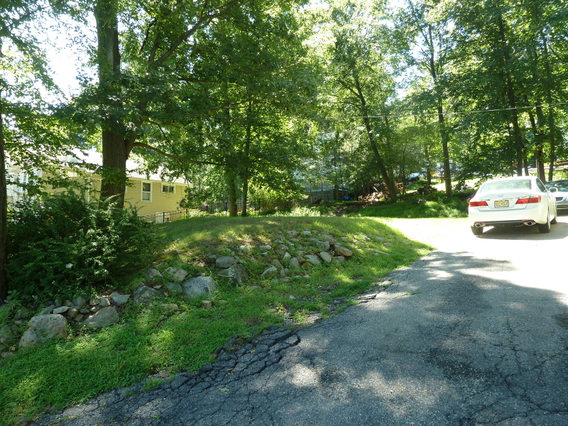 Additional photo for property listing at 10 Central Avenue  Hopatcong, 新泽西州 07843 美国