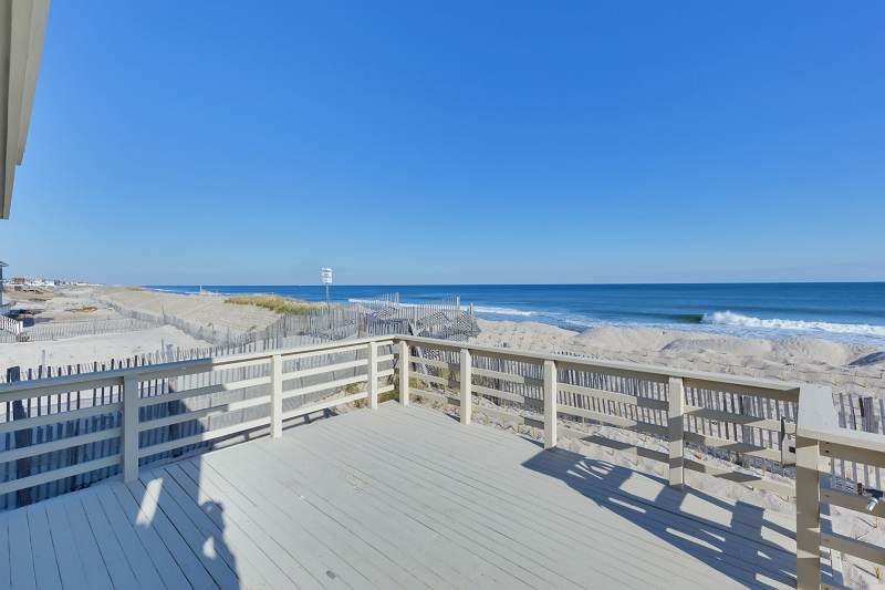 Additional photo for property listing at 301 EAST Avenue  Point Pleasant Beach, Нью-Джерси 08742 Соединенные Штаты