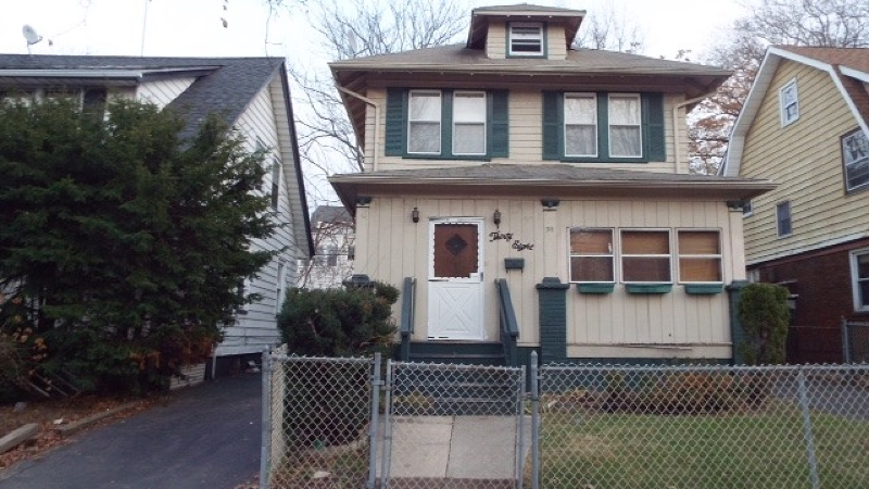 Additional photo for property listing at 38 Leslie Street  East Orange, Нью-Джерси 07017 Соединенные Штаты