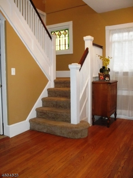Additional photo for property listing at 15 Colonial Ter  Nutley, New Jersey 07110 United States