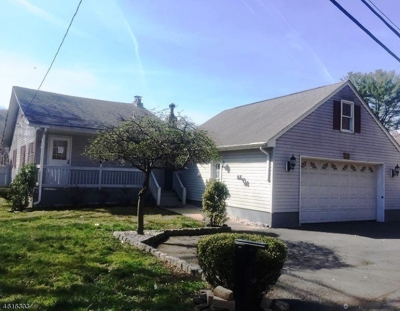 Single Family Home for Sale at 249 Riverlawn Drive Wayne, New Jersey 07470 United States