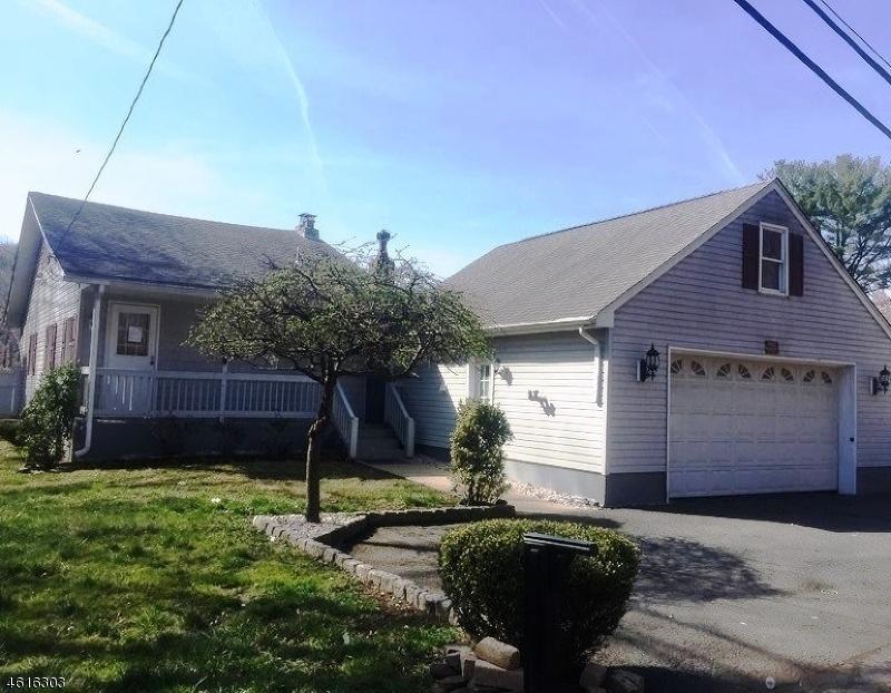 Casa Unifamiliar por un Venta en 249 Riverlawn Drive Wayne, Nueva Jersey 07470 Estados Unidos