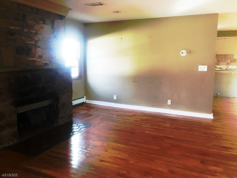 Additional photo for property listing at 249 Riverlawn Drive  Wayne, New Jersey 07470 United States