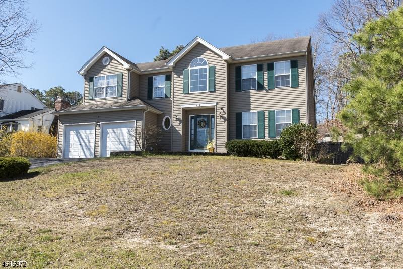 Частный односемейный дом для того Продажа на 812 BUCCANEER Lane Manahawkin, Нью-Джерси 08050 Соединенные Штаты
