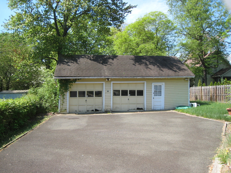 Additional photo for property listing at 219 WILLOW AV EXT  Plainfield, New Jersey 07060 États-Unis