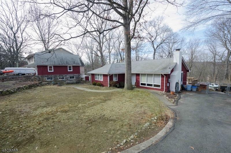 Maison unifamiliale pour l Vente à 13 NORTH CAPE TRAIL Rockaway, New Jersey 07866 États-Unis