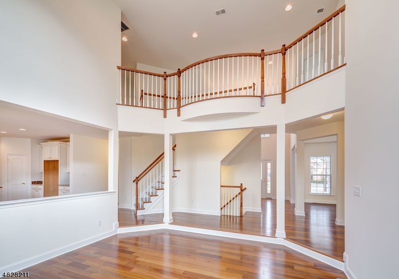 Additional photo for property listing at 2 Walden Place  Basking Ridge, Nueva Jersey 07920 Estados Unidos