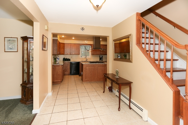 Additional photo for property listing at 590 Glen Road  Sparta, New Jersey 07871 États-Unis