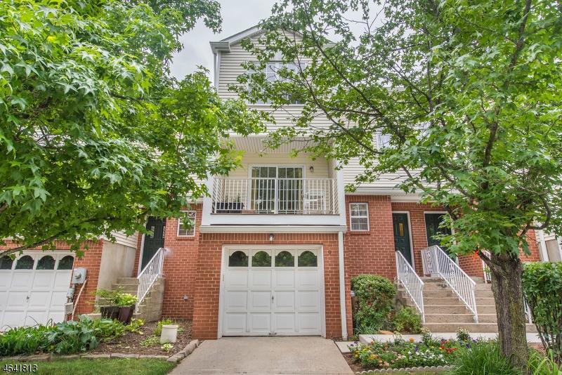 Частный односемейный дом для того Продажа на 9 Garfield Way Princeton, Нью-Джерси 08540 Соединенные Штаты