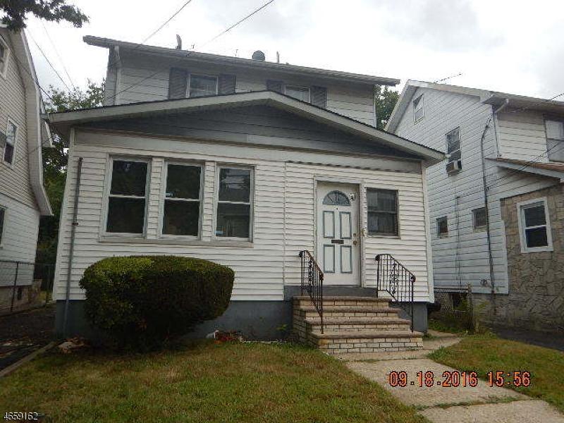 Частный односемейный дом для того Продажа на Address Not Available Newark, Нью-Джерси 07106 Соединенные Штаты