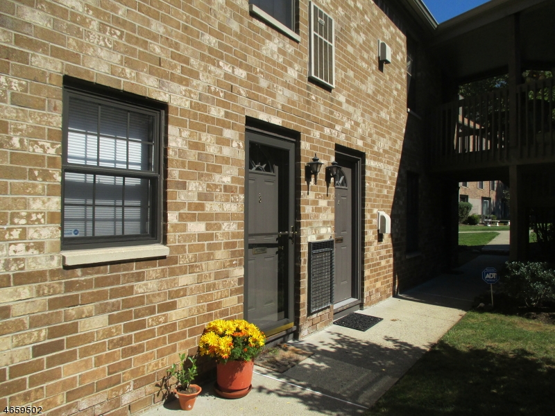 Additional photo for property listing at 181 Long Hill Rd 11-4  Little Falls, New Jersey 07424 États-Unis