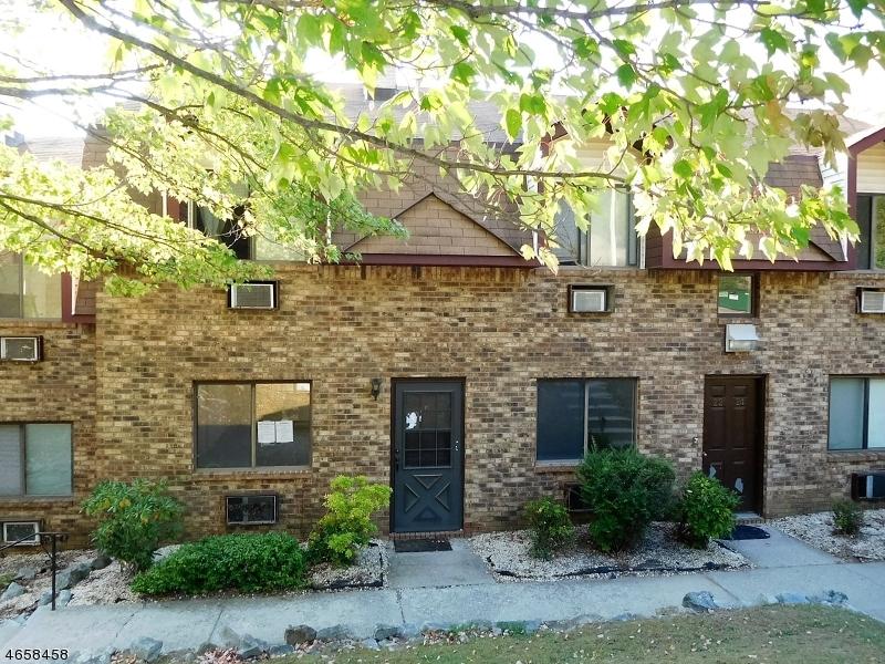 Частный односемейный дом для того Продажа на 21 Great Gorge Ter Vernon, Нью-Джерси 07462 Соединенные Штаты