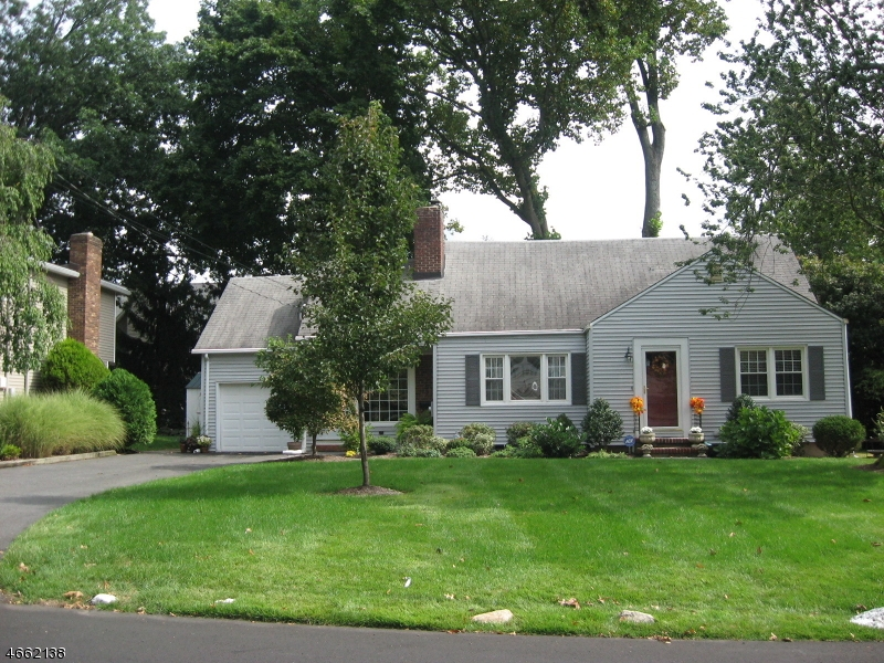 Additional photo for property listing at 207 NORMAN Drive  Ramsey, New Jersey 07446 États-Unis