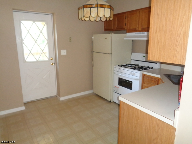 Additional photo for property listing at 49-51 WALL ST APT 3  Rockaway, Nueva Jersey 07866 Estados Unidos