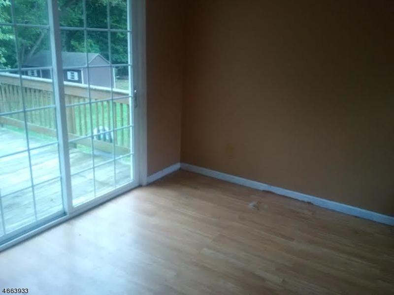 Additional photo for property listing at 107 NORTH RIVERVIEW ROAD  Phillipsburg, Нью-Джерси 08865 Соединенные Штаты