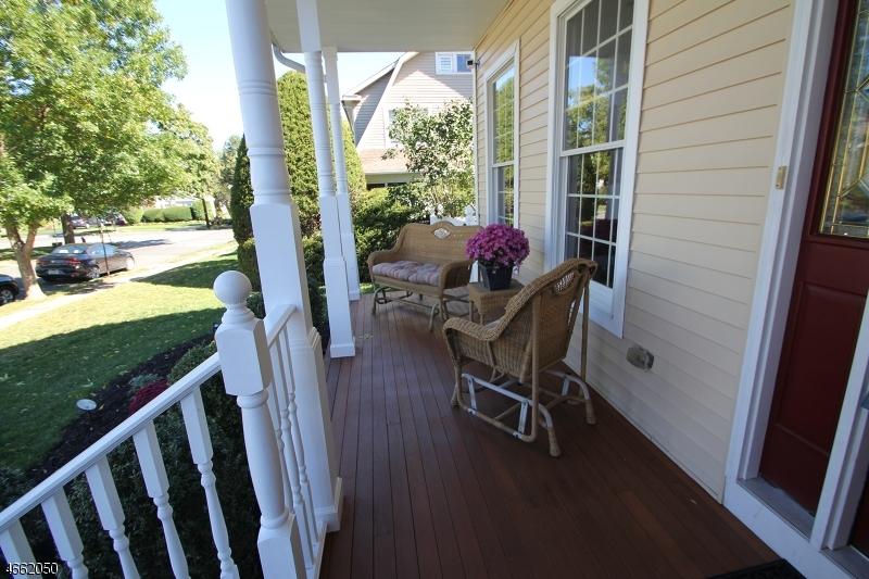 Additional photo for property listing at 19 Lowell Street  Westwood, Нью-Джерси 07675 Соединенные Штаты