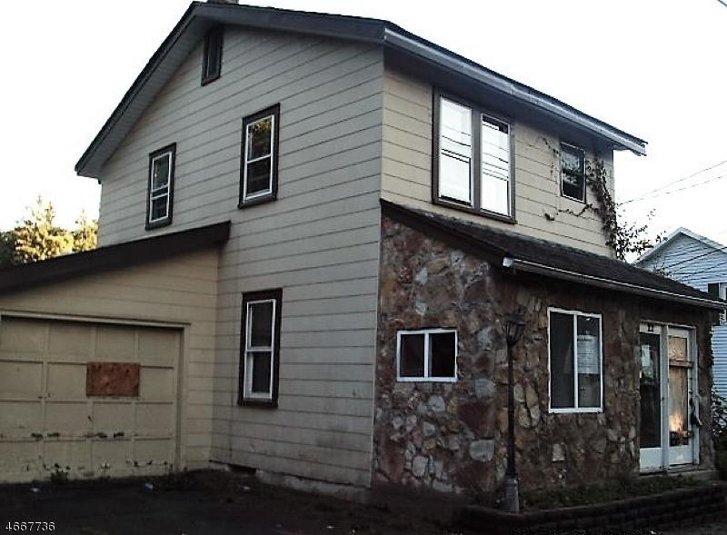 Casa Multifamiliar por un Venta en 22 Flanders Road Netcong, Nueva Jersey 07857 Estados Unidos