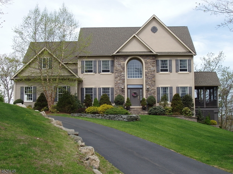 Casa Unifamiliar por un Venta en 6 SETTLERS Road Vernon, Nueva Jersey 07462 Estados Unidos