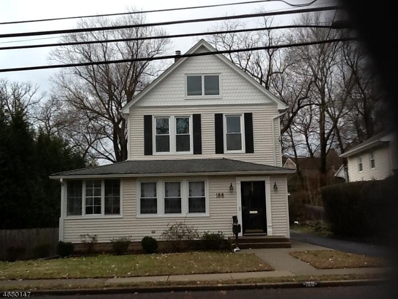 Casa Unifamiliar por un Alquiler en 188 S Highwood Avenue Glen Rock, Nueva Jersey 07452 Estados Unidos