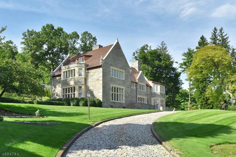 Частный односемейный дом для того Продажа на 206 UPPER MOUNTAIN Avenue Montclair, 07043 Соединенные Штаты