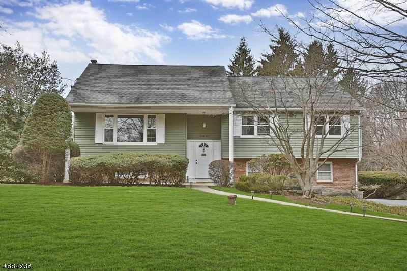 独户住宅 为 销售 在 22 Valley View Ter 蒙特维尔, 新泽西州 07645 美国