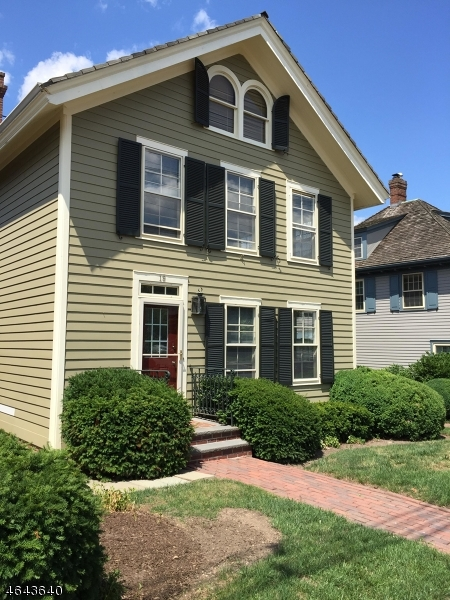 Maison unifamiliale pour l à louer à 19 Murray Hill Sq New Providence, New Jersey 07974 États-Unis