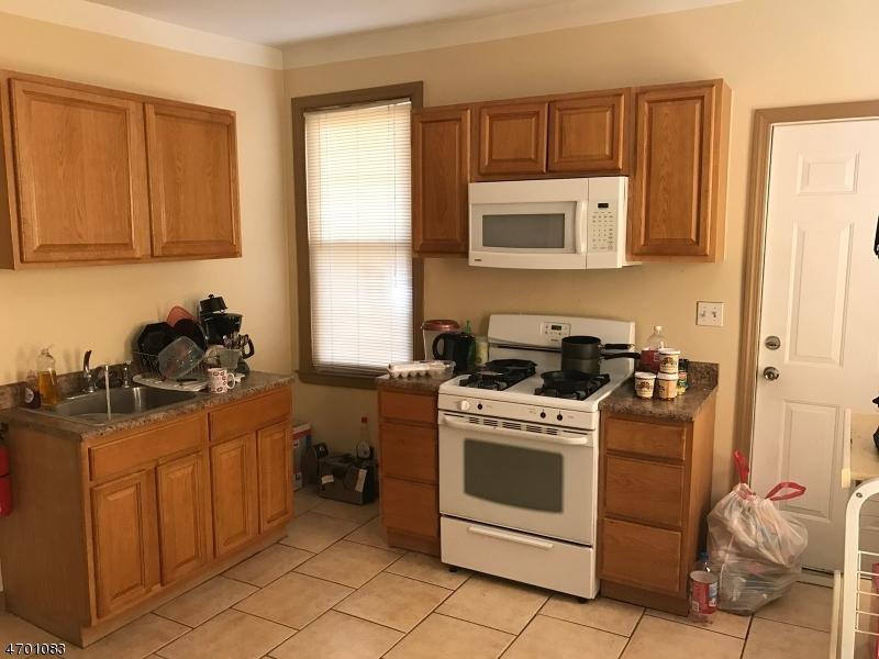 Additional photo for property listing at 50-52 ARSDALE TER  East Orange, Нью-Джерси 07018 Соединенные Штаты
