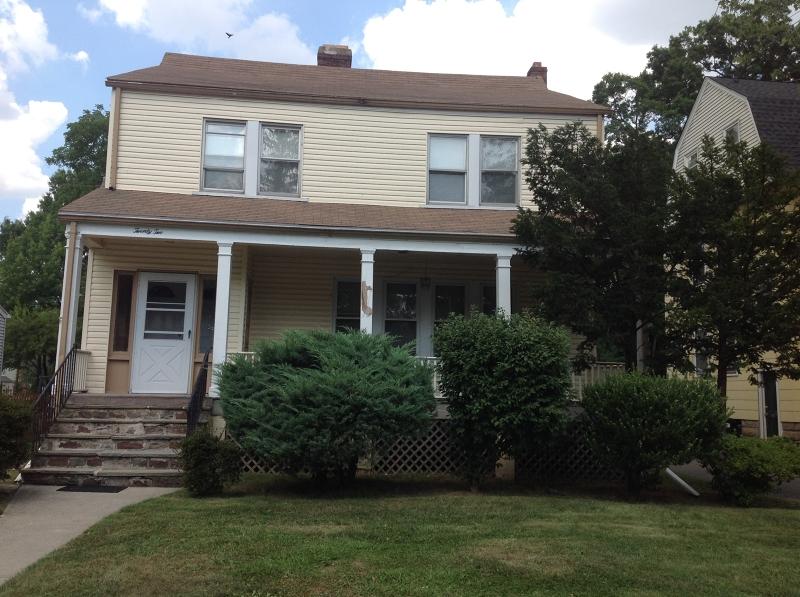 Частный односемейный дом для того Аренда на 22 Berkeley Pl, 2 fl Cranford, Нью-Джерси 07016 Соединенные Штаты