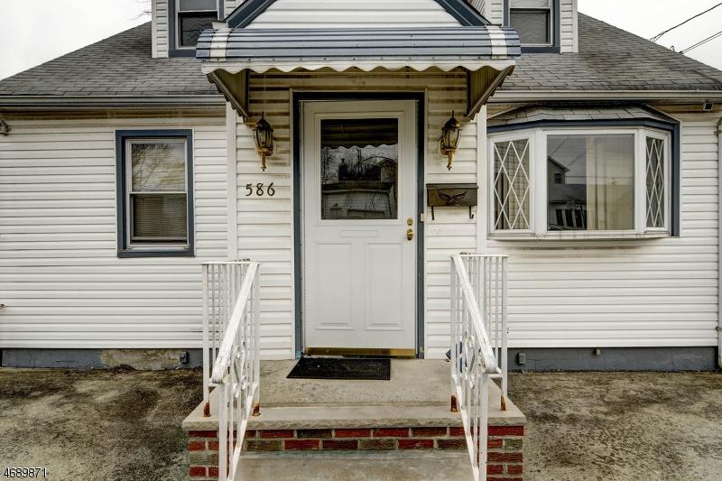 一戸建て のために 売買 アット 586 Mereline Avenue Avenel, ニュージャージー 07001 アメリカ合衆国