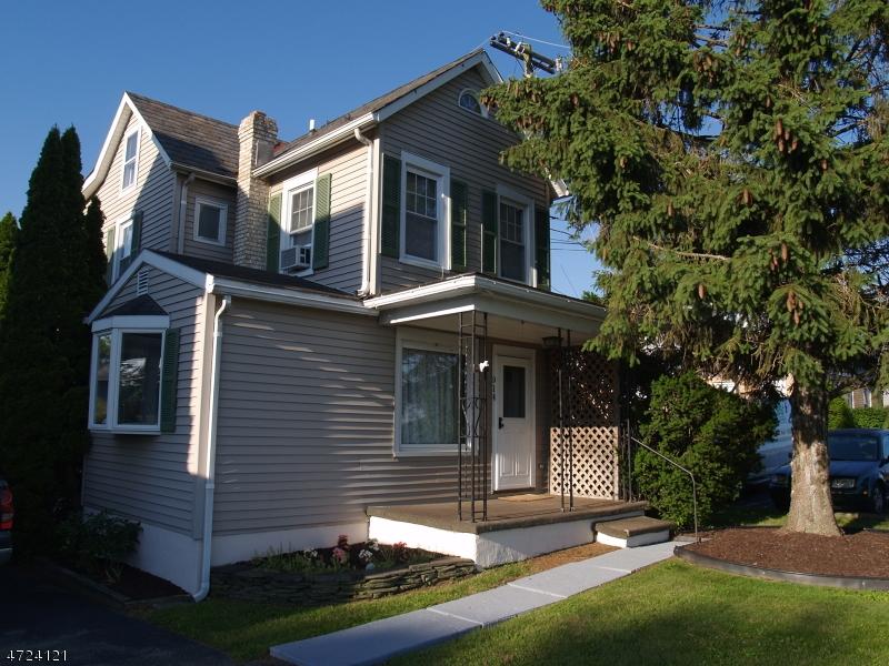 Maison unifamiliale pour l Vente à 914 High Street Alpha, New Jersey 08865 États-Unis