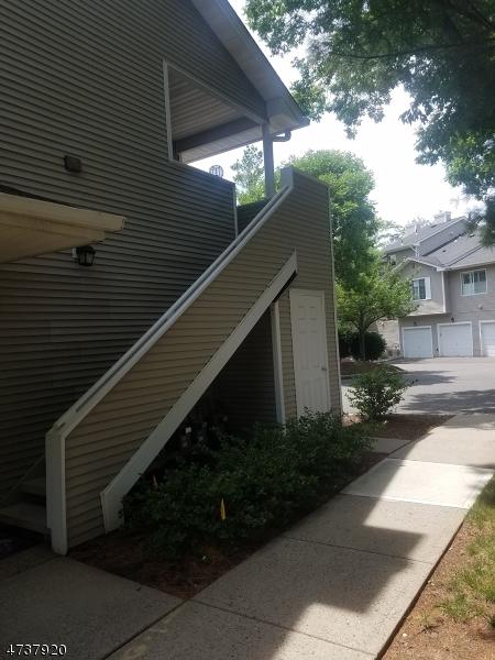 独户住宅 为 出租 在 52 Bentley Court 贝德明斯特, 新泽西州 07921 美国