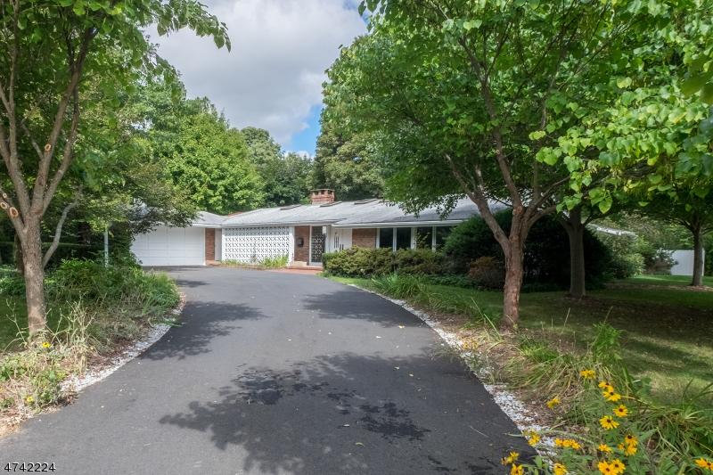 Einfamilienhaus für Verkauf beim 9 Club Road Andover Township, New Jersey 07860 Vereinigte Staaten