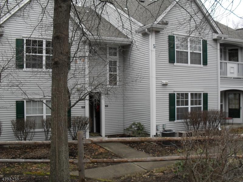 Частный односемейный дом для того Аренда на 508 CHATFIELD Drive Pequannock, Нью-Джерси 07444 Соединенные Штаты