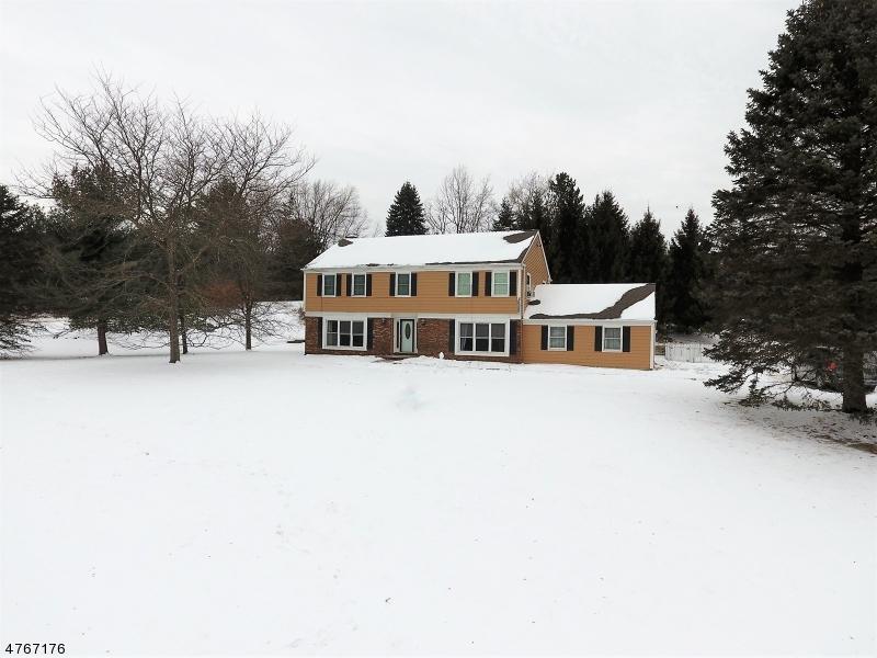 Casa Unifamiliar por un Venta en 30 Meredith Drive Sparta, Nueva Jersey 07871 Estados Unidos