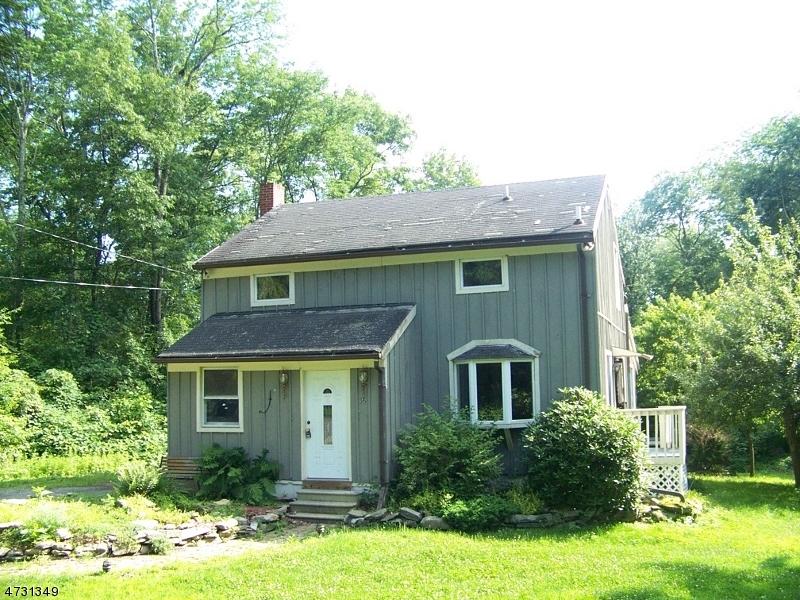 Maison unifamiliale pour l Vente à 36 Sand Pond Road Hardwick, New Jersey 07825 États-Unis