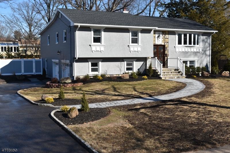 Villa per Vendita alle ore 17 Largo Lane 17 Largo Lane Clark, New Jersey 07066 Stati Uniti