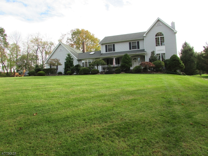 Casa Unifamiliar por un Venta en 50 Amwell Road East Amwell, Nueva Jersey 08822 Estados Unidos