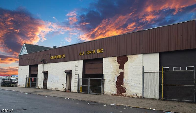 商用 為 出售 在 334 334 N 5th Street Newark, 新澤西州 07107 美國
