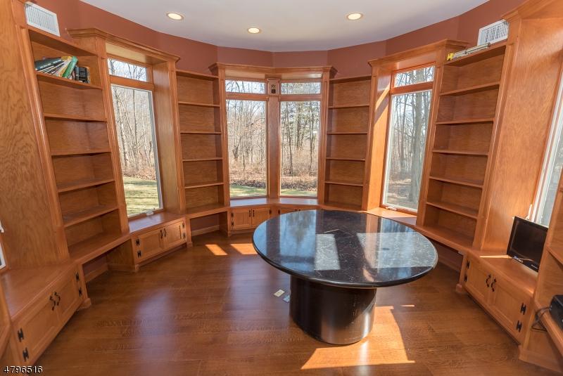 Villa per Vendita alle ore 743 Macopin Road West Milford, New Jersey 07480 Stati Uniti